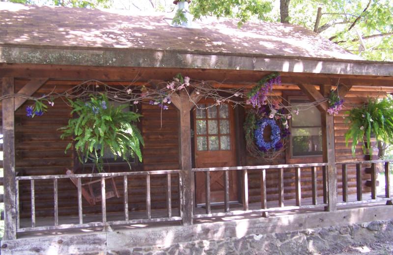 Exterior view of Bear Mountain Log Cabins.
