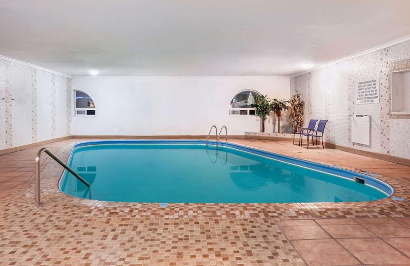 Pool at Howard Johnson by Wyndham Helena.