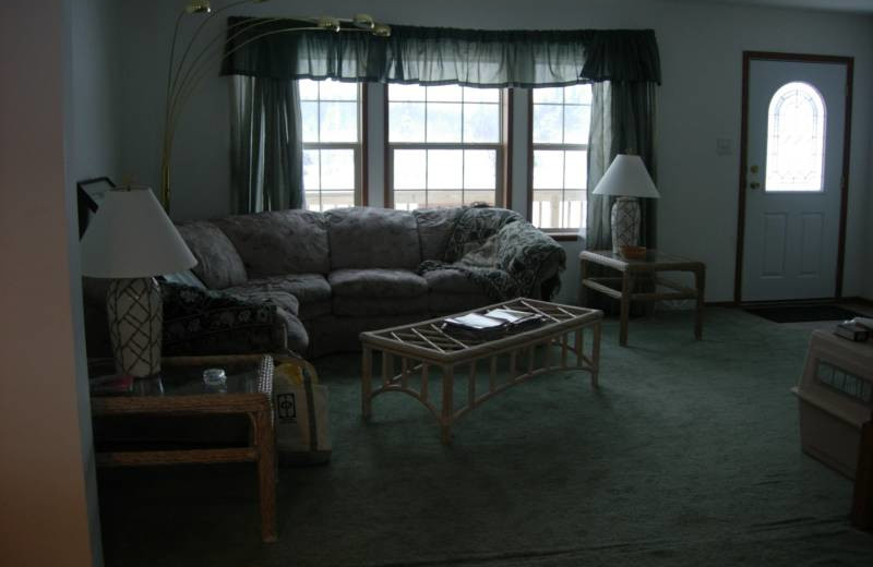 Living room at S & J Lodge.