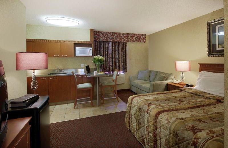 Guest room at Oak Inn.