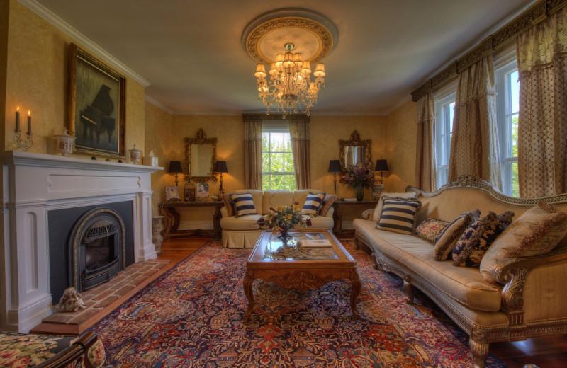 Living room at Chestnut Hill Wedding & Reception Venue.