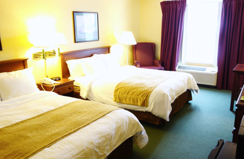 Two bed guest room at Country Inn River Falls.