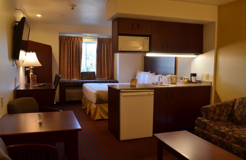 Guest room at BridgePointe Inn & Suites.