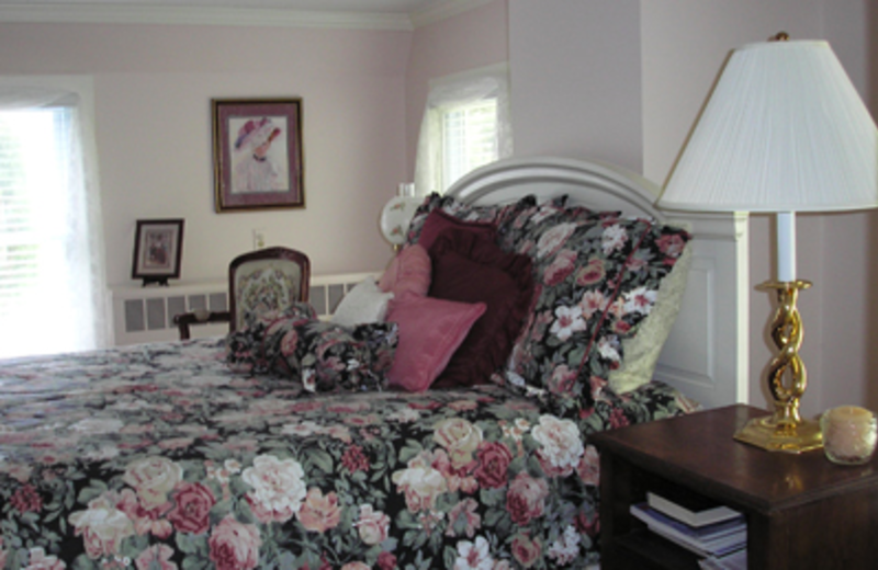 King Bed at Cottage at Long Haul