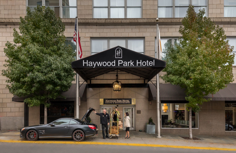 Exterior view of Haywood Park Hotel.