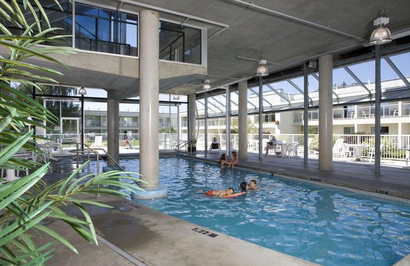 Indoor pool at Best Western Inn - Kelowna.