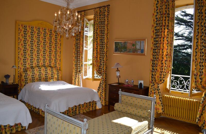 Guest room at Hostellerie de Varenne.