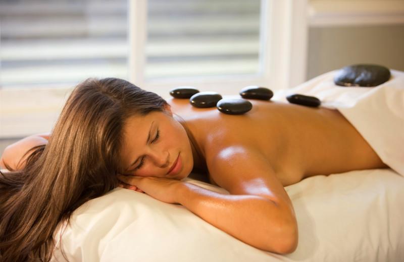 Hot stone massage at Elk Ridge Resort.