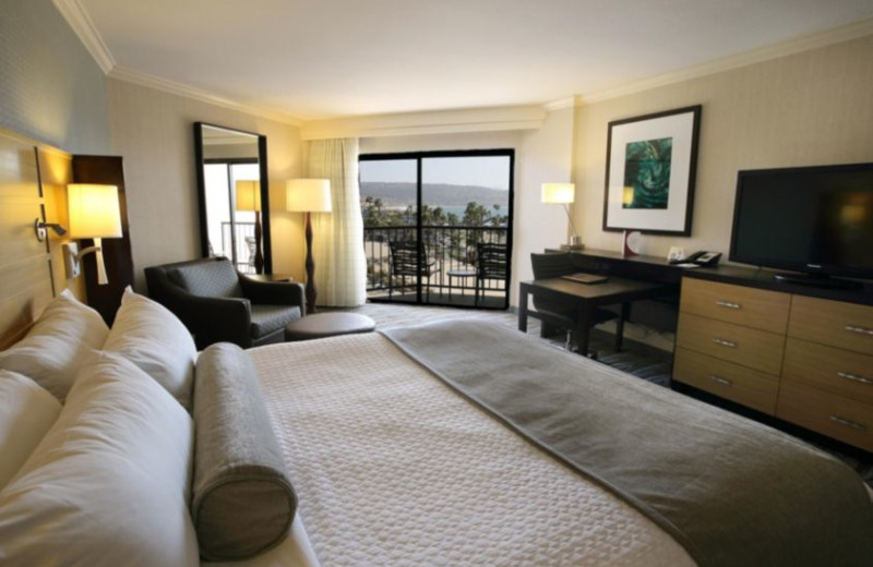 Guest room at Crowne Plaza-Redondo Beach.