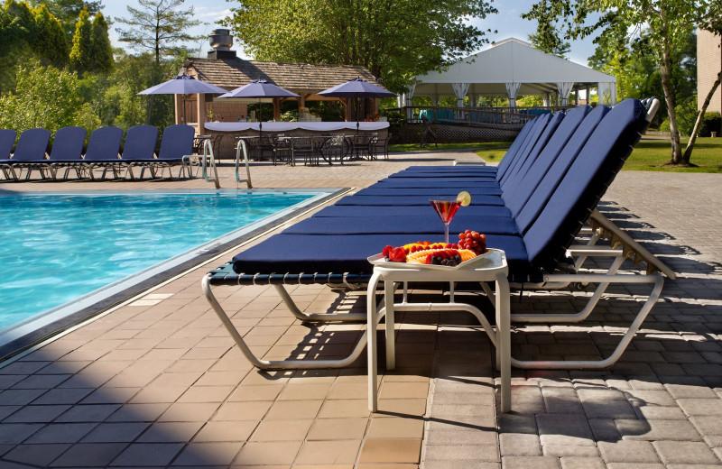 Outdoor pool at Doral Arrowwood.