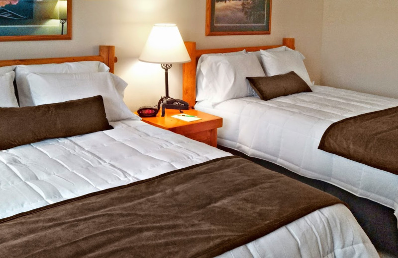 Guest bedroom at Timberline Inn.