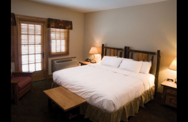 Guest bedroom at Otsego Club and Resort.