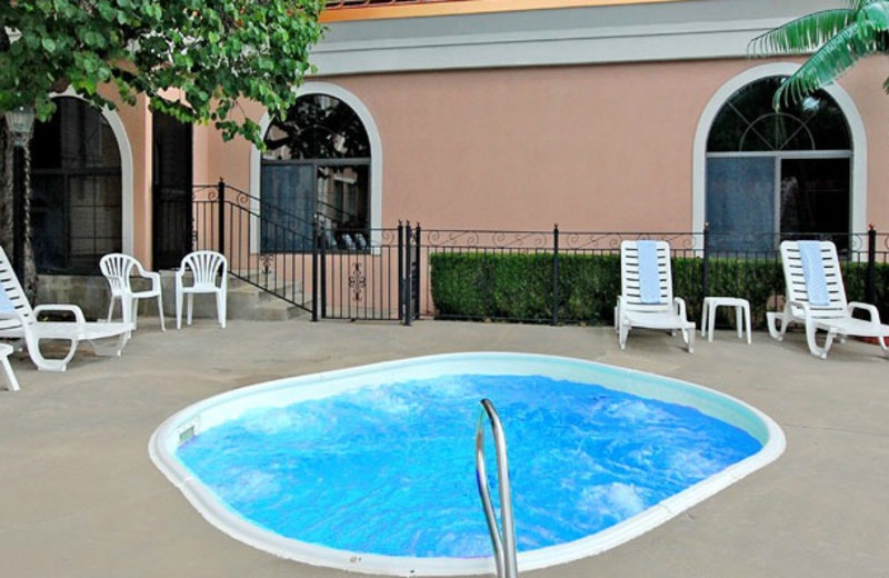 Outdoor whirlpool at Clarion Hotel at The Palace.