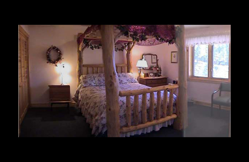 Guest room at Emerald Pines Refuge Bed & Breakfast.