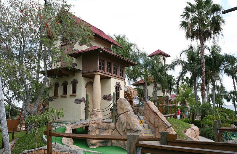 Mini golf near Plumlee Gulf Beach Realty.