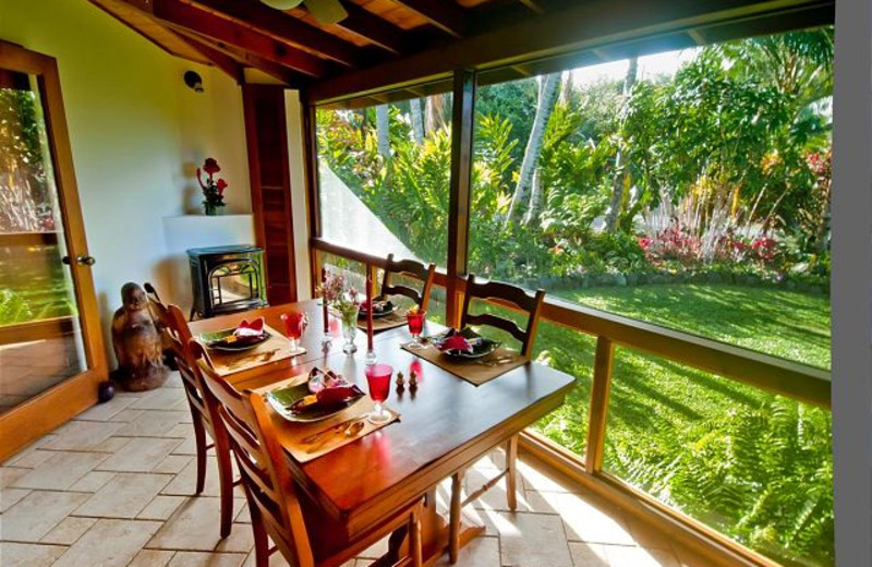 Vacation rental dining room at Big Island Vacation Rentals.