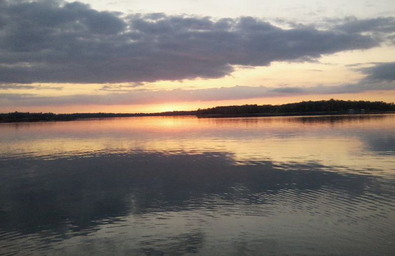Easy access to the lake at Beauty Bay Lodge & Resort