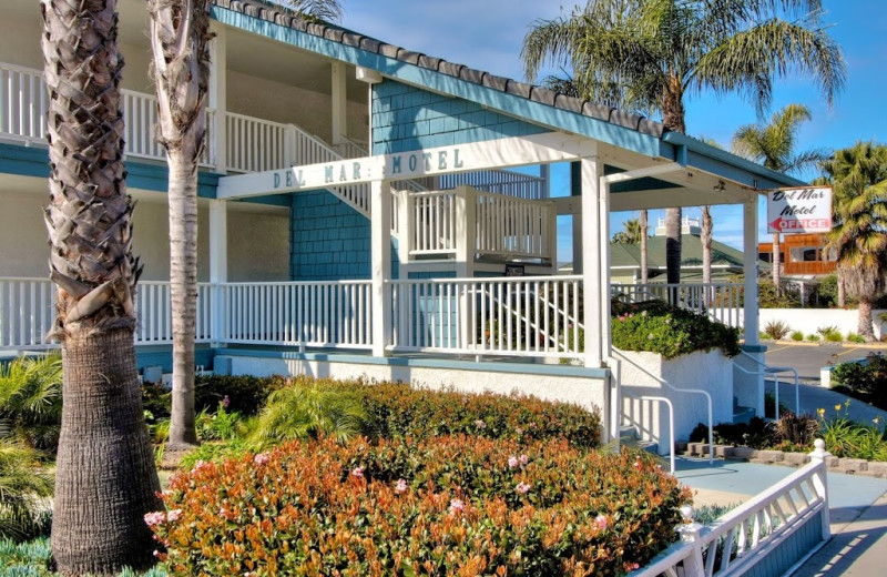 Exterior view of Del Mar Motel On the Beach.