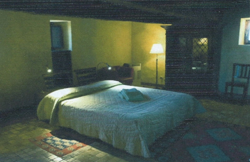 Guest room at Torre Pratesi.