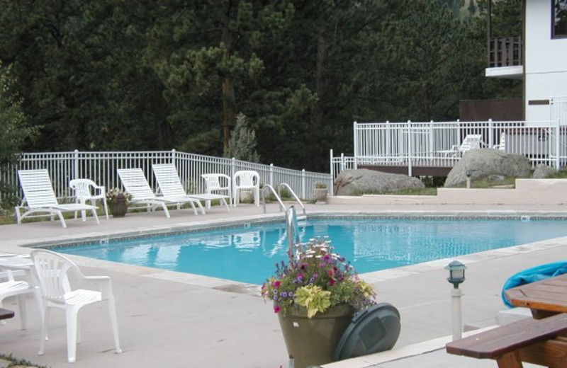 Condo pool at EstesParkRentals.com.