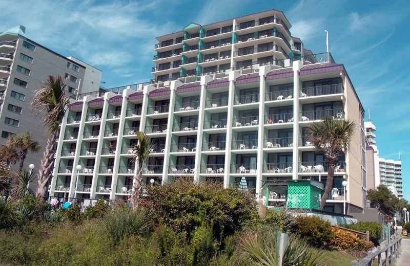 Exterior view of Grande Shores Ocean Resort.