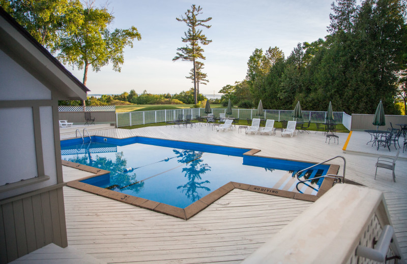 Outdoor heated swimming pool at The Inn at Stonecliffe.