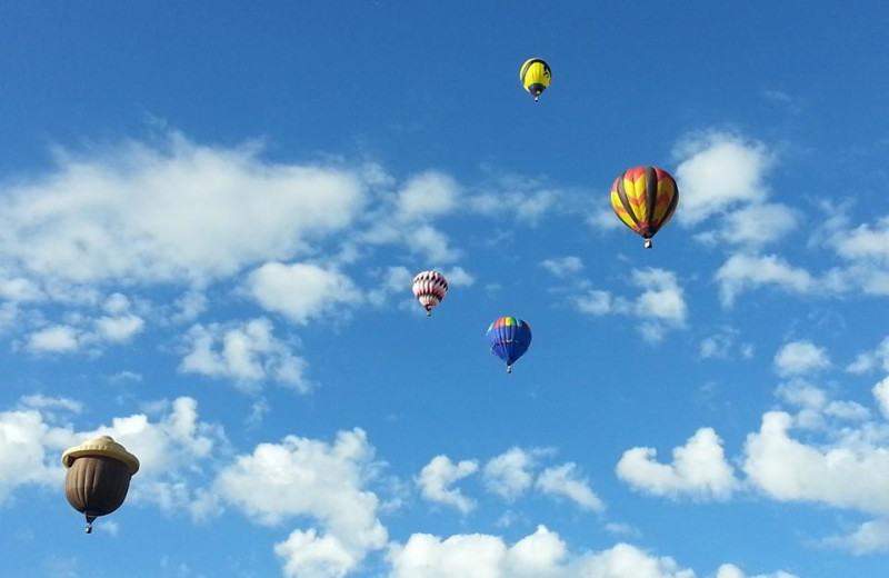 Hot air balloons at Aspen View Lodge.