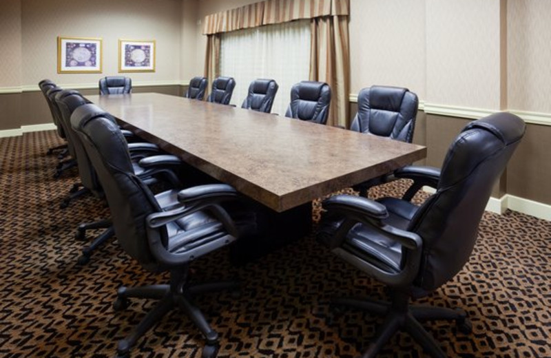 Meeting room at Holiday Inn Detroit Lakes.