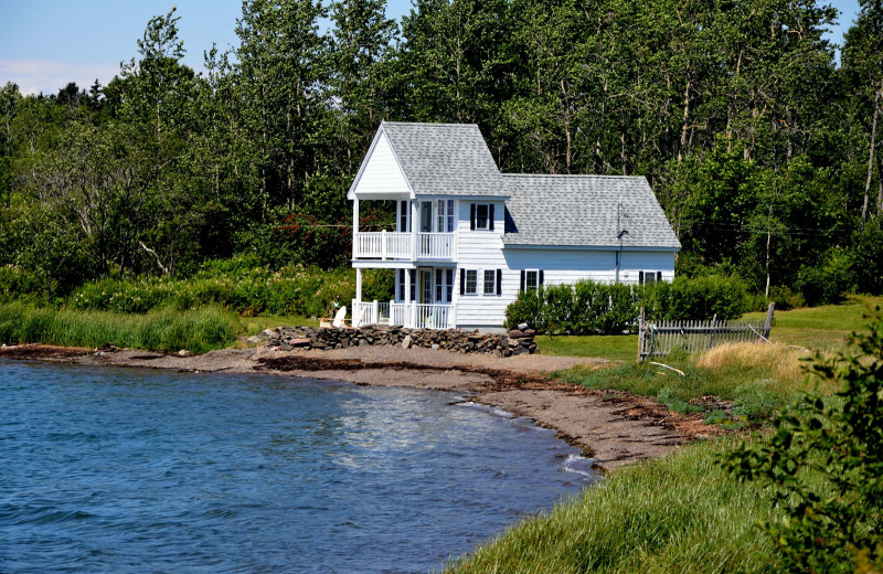 Cottage at Rossport Lodging & Retreat.