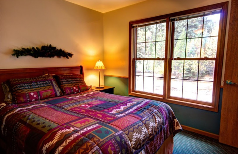 Guest bedroom at The Evergreens On Fall River.