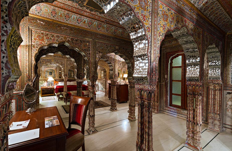 Guest suite at Samode Haveli.