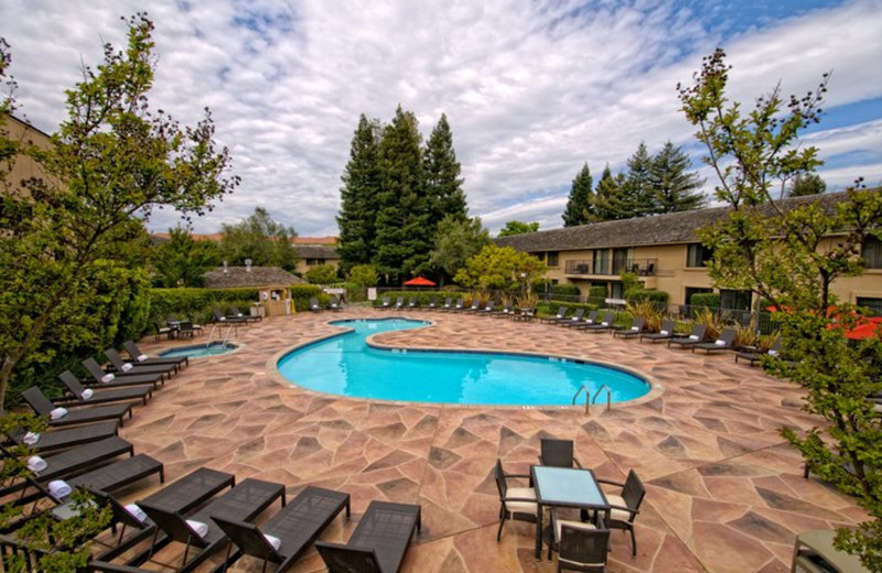 Outdoor pool at Napa Valley Marriott Hotel and Spa.