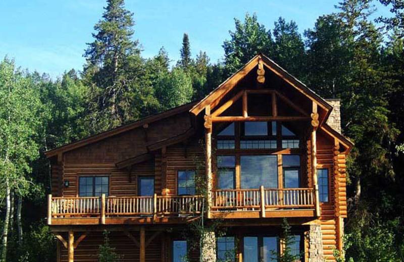 Luxury cabins at Teton Springs Lodge.