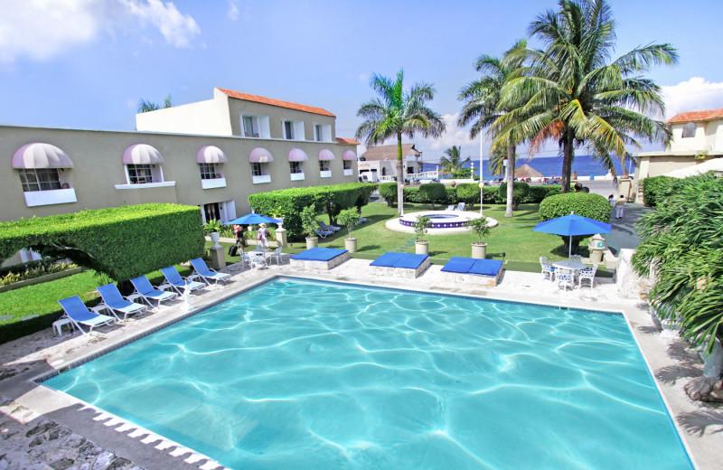 Outdoor pool at Villablanca Garden Beach.