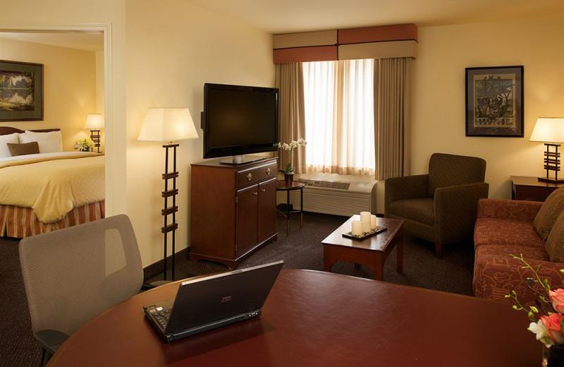 Guest room at Larkspur Landing - Milpitas.