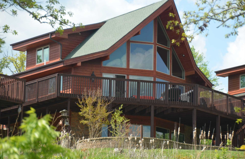 Exterior view of Branson Vacation Rentals.