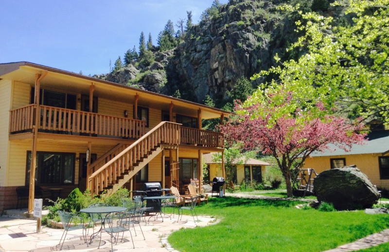 Exterior view of Misty Mountain Lodge.