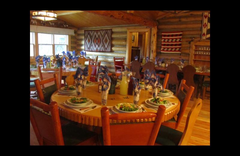 Dining at Rimrock Dude Ranch.
