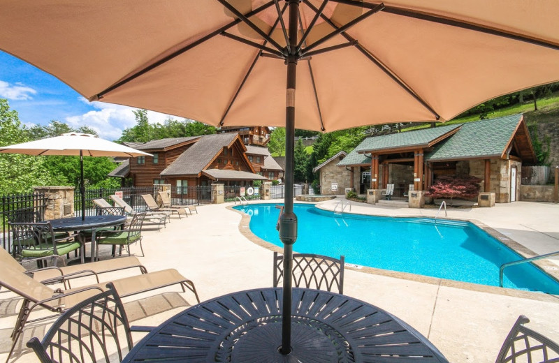 Outdoor pool at Golfview Vacation Rentals.