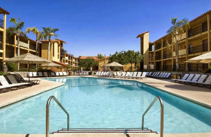Outdoor pool at Embassy Suites Palm Desert.