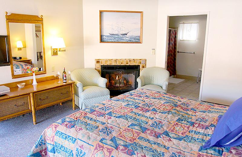 Guest Room at Lone Oak Lodge