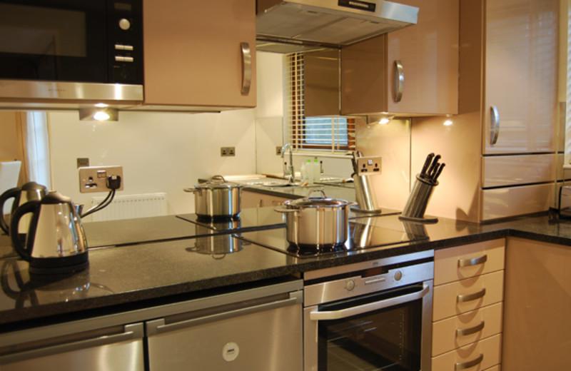 Cottage kitchen at West Highlands.