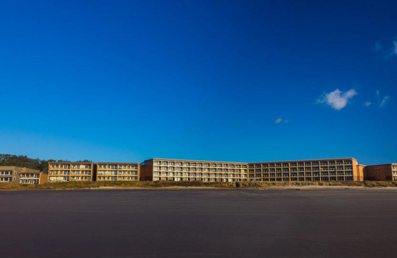 Exterior view of Driftwood Shores Resort and Conference Center.