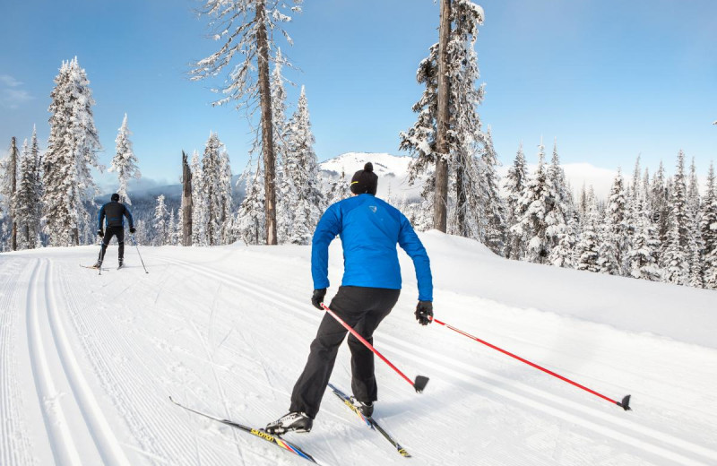 Skiing at Cedar House Restaurant & Chalets.