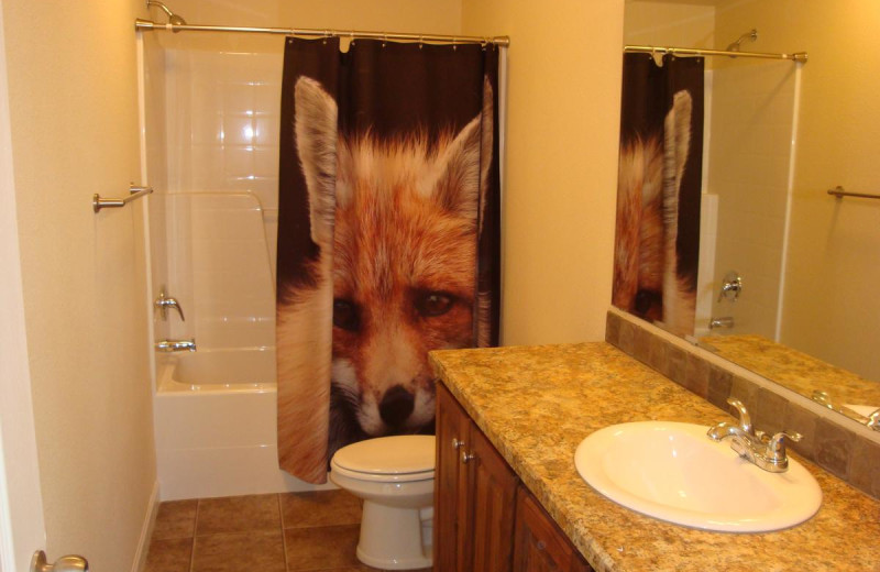 Cabin bathroom at Yellowstone Wildlife Cabins.