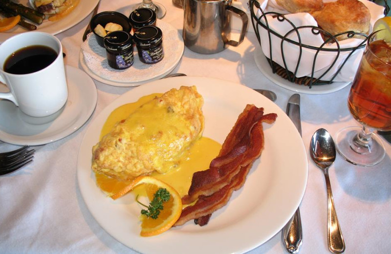 Breakfast at Red Apple Inn and Country Club.