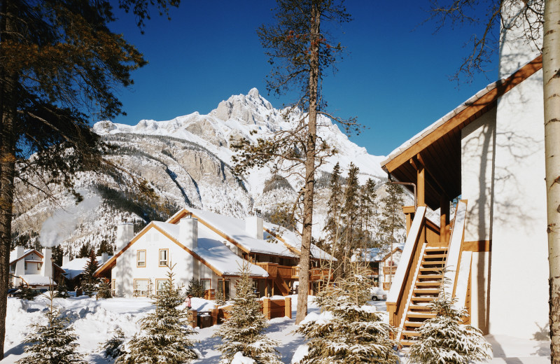 Exterior view of Banff Rocky Mountain Resort.