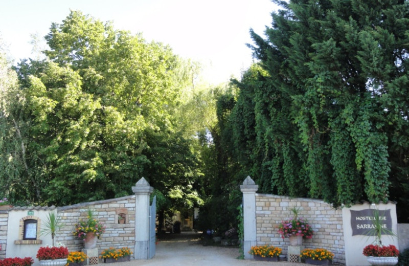 Entrance to Hostellerie Sarrasine.
