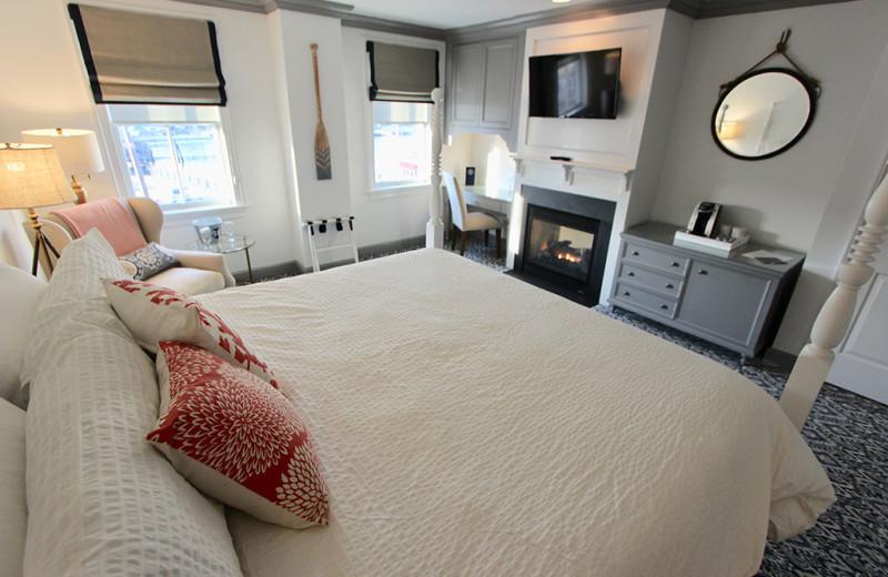 Guest room at Whaler's Inn.