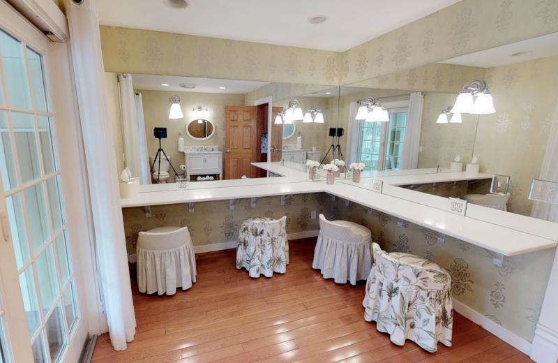 Guest bathroom at BoatHouse Villa.